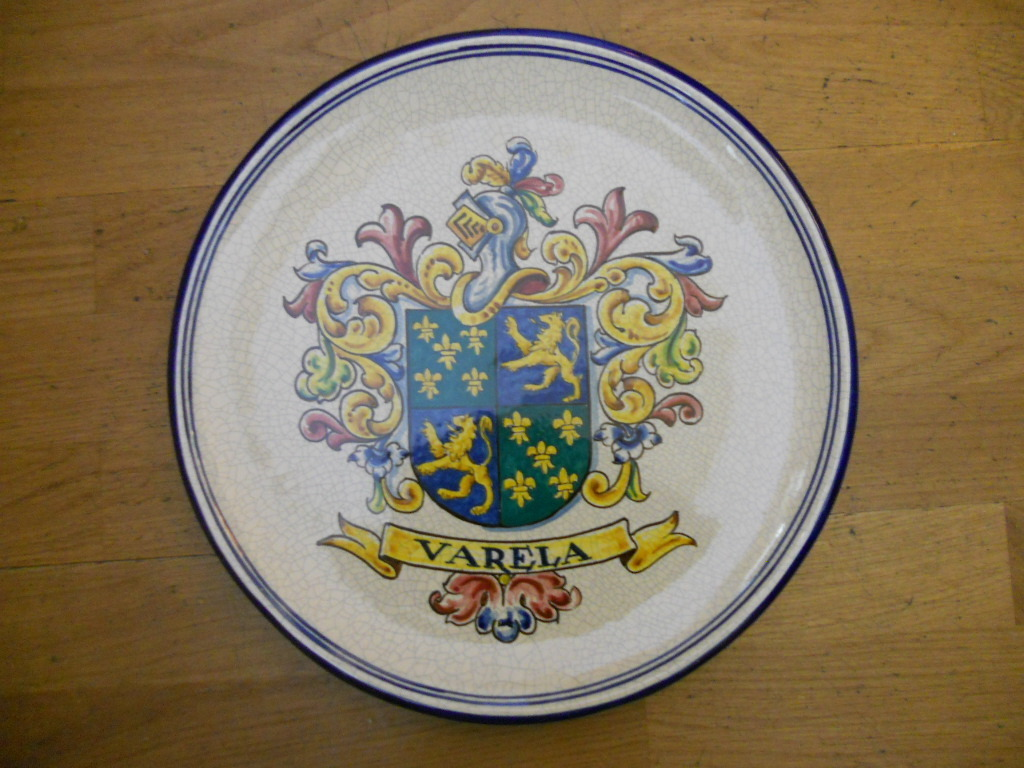 Coat of arms dish 30 cm wide