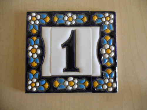 Piastrelle di indirizzo. piastrelle di lettere e numeri 7.5 cm alto